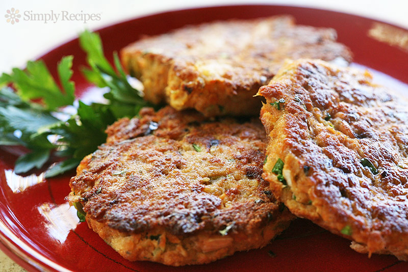 Roasted Red Pepper Mashed Potato Cakes